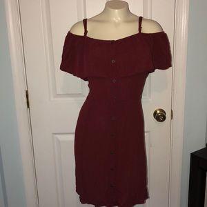 XXL short sleeve/cold shoulder red mid dress 💋